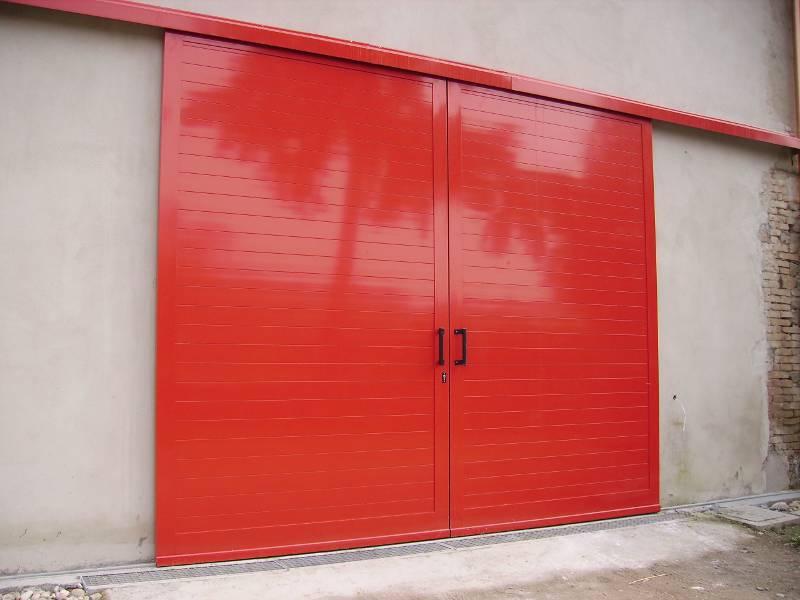 Portoni garage basculanti a verona ferrara padova e rovigo - Porta garage scorrevole ...