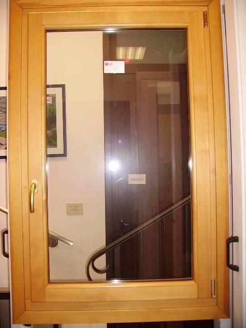 Finestra in legno a vicenza padova rovigo e verona - La finestra padova ...