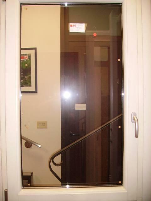 Finestra in legno lato interno e alluminio in esterno a - Parapetto finestra ...
